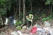 Thực hiện thu gom, xử lý rác thải tại một số đảo nhỏ thuộc Vườn quốc gia Côn Đảo năm 2018