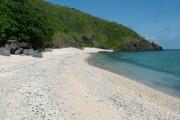 Vòng quanh đảo Côn Sơn, ghé tham quan hòn Tre Lớn